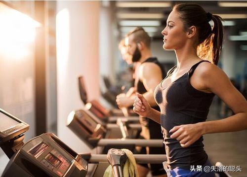 健身应该在饭前还是饭后进行?告诉你最准确的答案