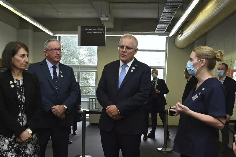 新确诊潜伏期长达25天!隔离收效甚微,澳总理带头接种辉瑞