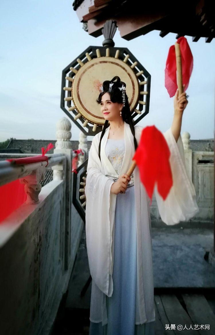 第三届中国书画春晚文化传播大使子莲