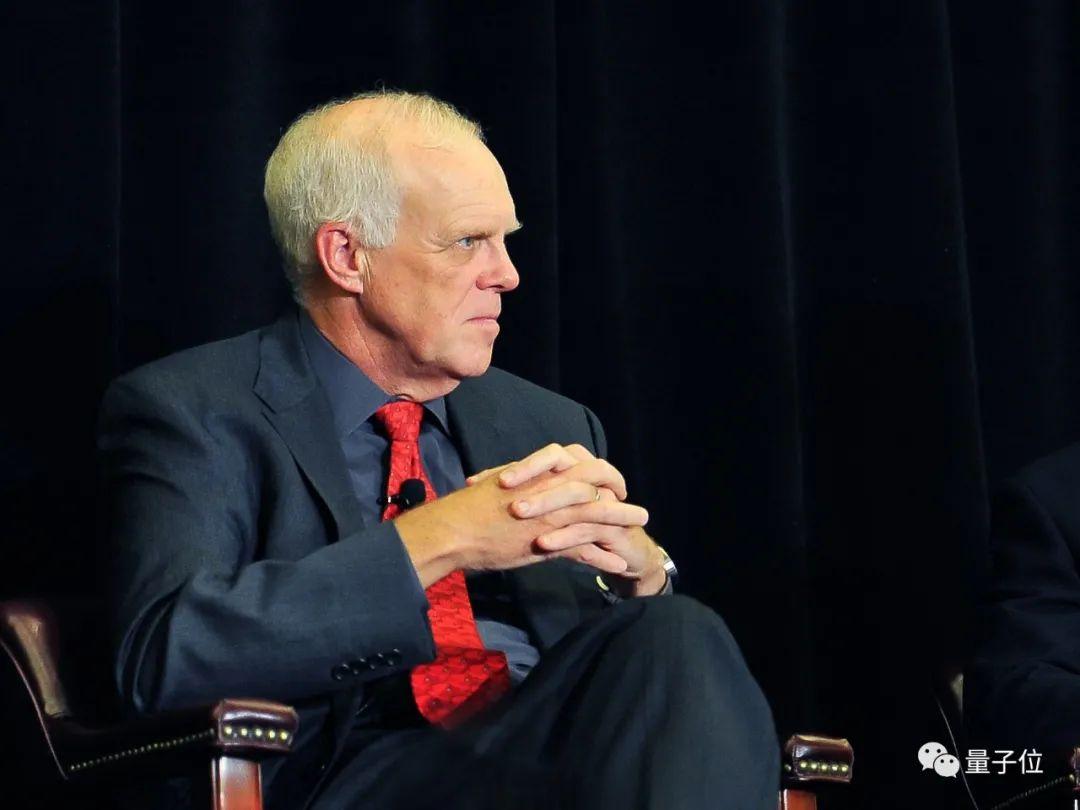 对话图灵奖得主John Hennessy:疫情会促进AI研究