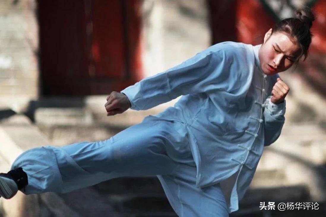 张伟丽要警惕!罗斯秘密学习菲律宾武术,出拳像一把飞速的手术刀