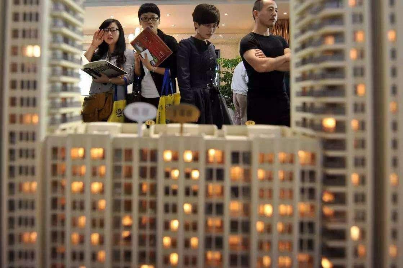 财税专家提出房产税免征面积,超过这个标准,交1.2万/年的税
