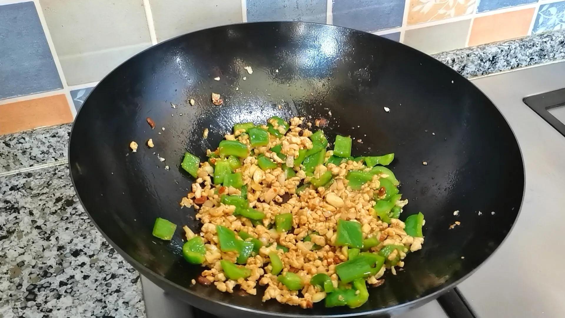 土豆的神仙吃法,连孩子都能多吃半碗饭,制作简单,好吃又营养 美食做法 第9张
