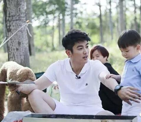 嗯哼情商爆棚,爸爸杜江4大語錄獲網友狂贊:別給孩子貼負面標籤