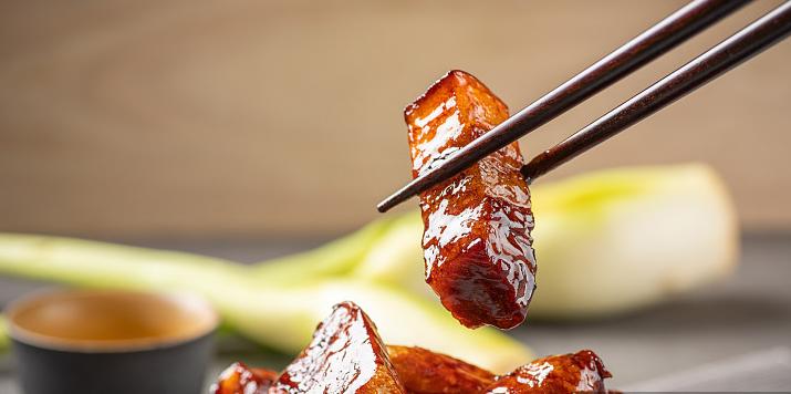 红烧肉别放八角、桂皮,试试这两样,做出来特香,减肥都要吃一顿 美食做法 第4张