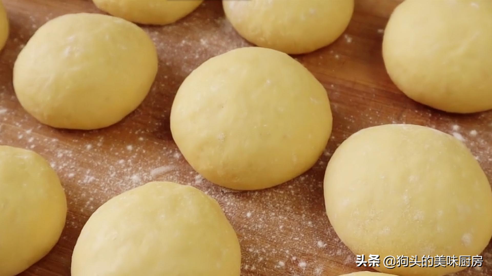 一碗面粉,3个鸡蛋,手指一戳一转,香甜松软,比买的面包还好吃 美食做法 第13张