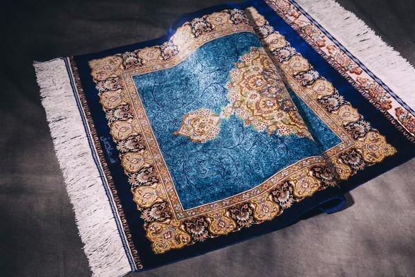 挑选手工真丝地毯的四大技巧