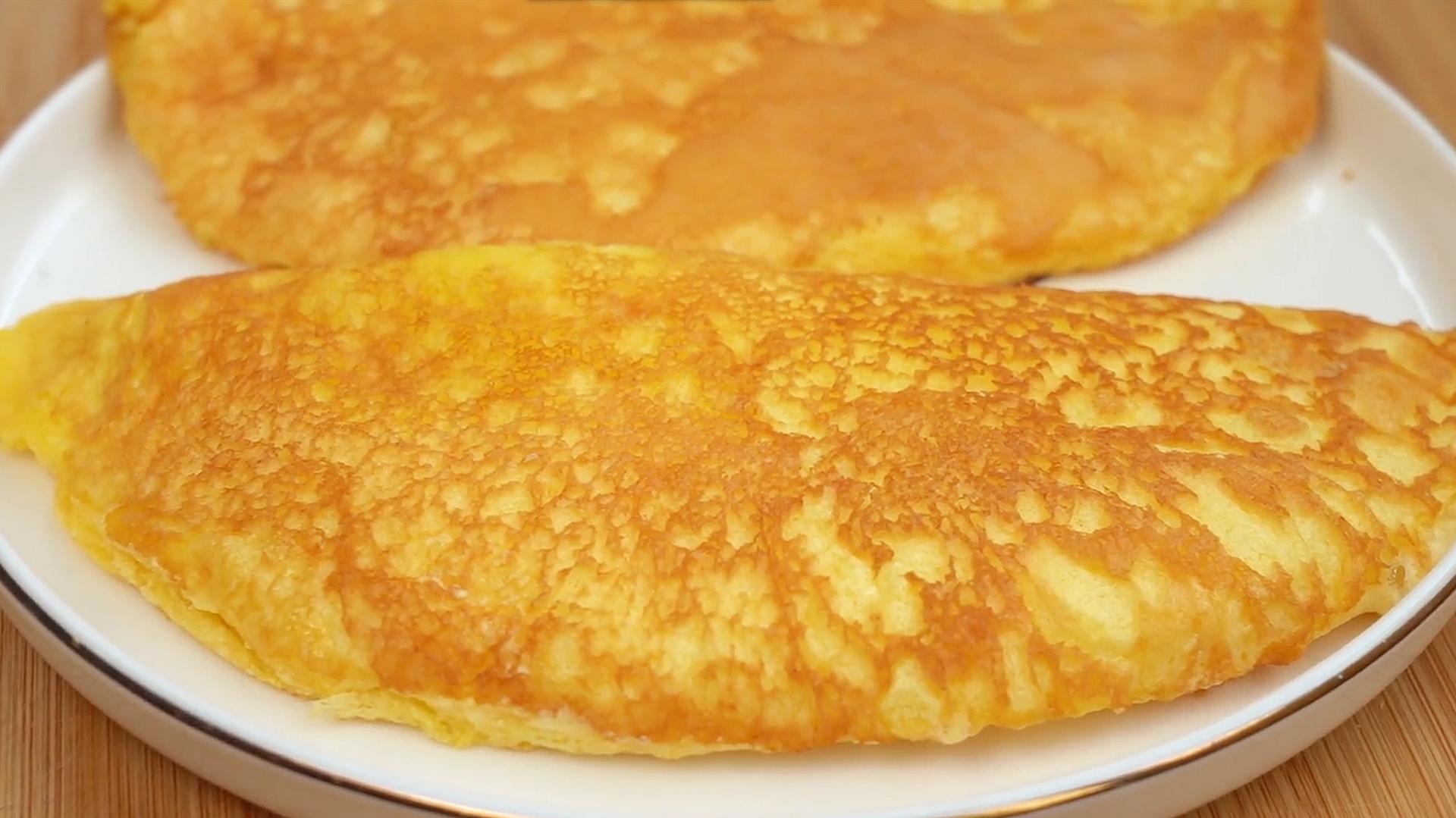 3个鸡蛋不加面粉,教你做早餐,比烙饼简单,绵软细腻,入口即化 美食做法 第1张