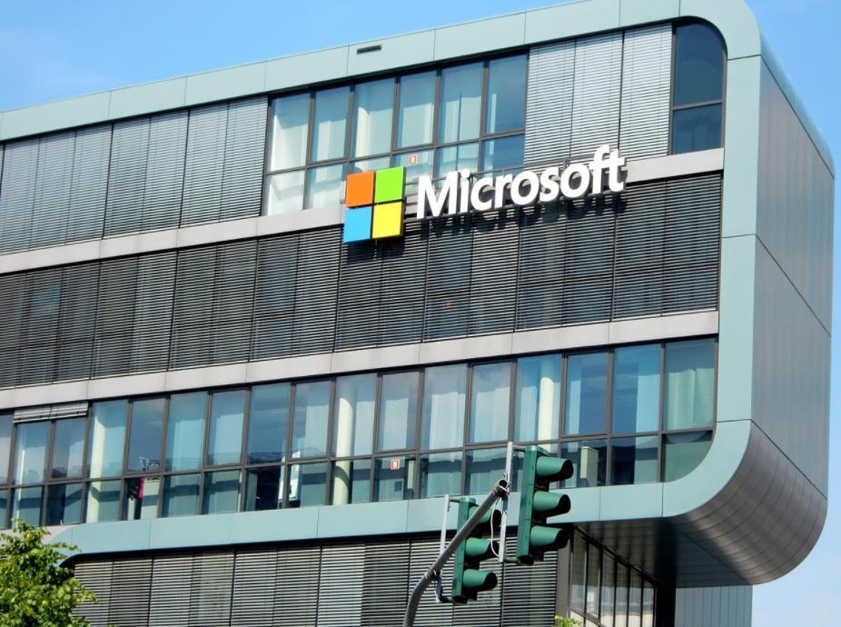 Win10要兼容安卓了?巨头微软是要对谷歌低头认怂了吗?