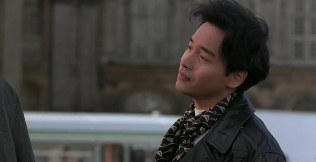 张国荣65岁生日,唐鹤德晒其生前照片示爱,哥哥笑靥如花