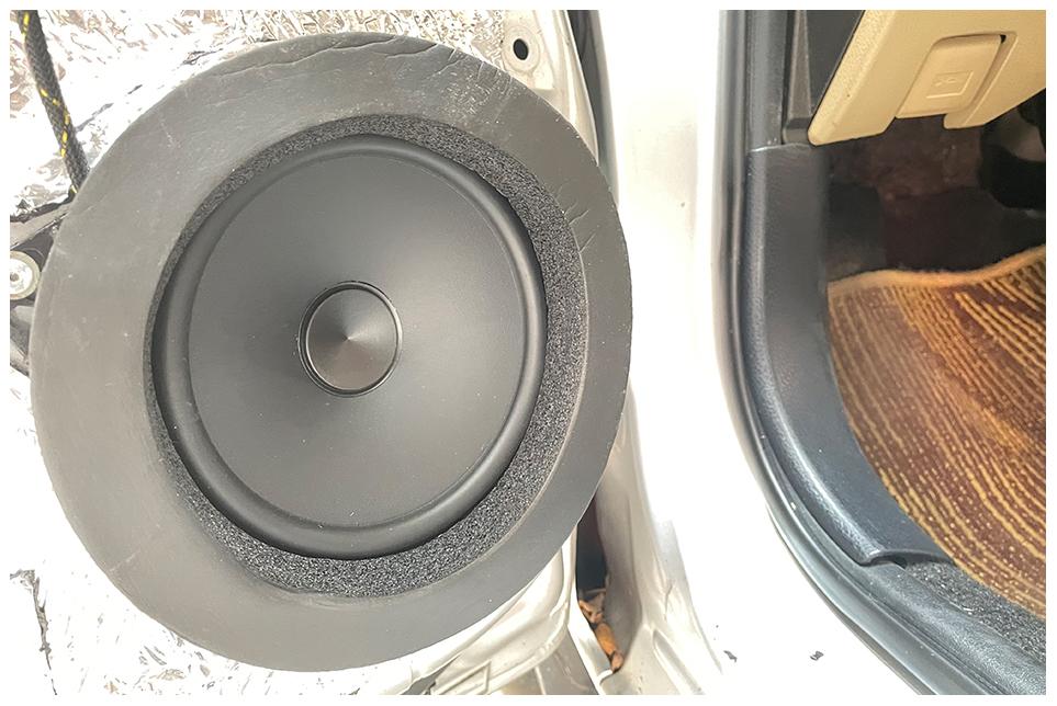 丰田威驰改装歌剧世家汽车音响 没想到初次升级就有这样的效果