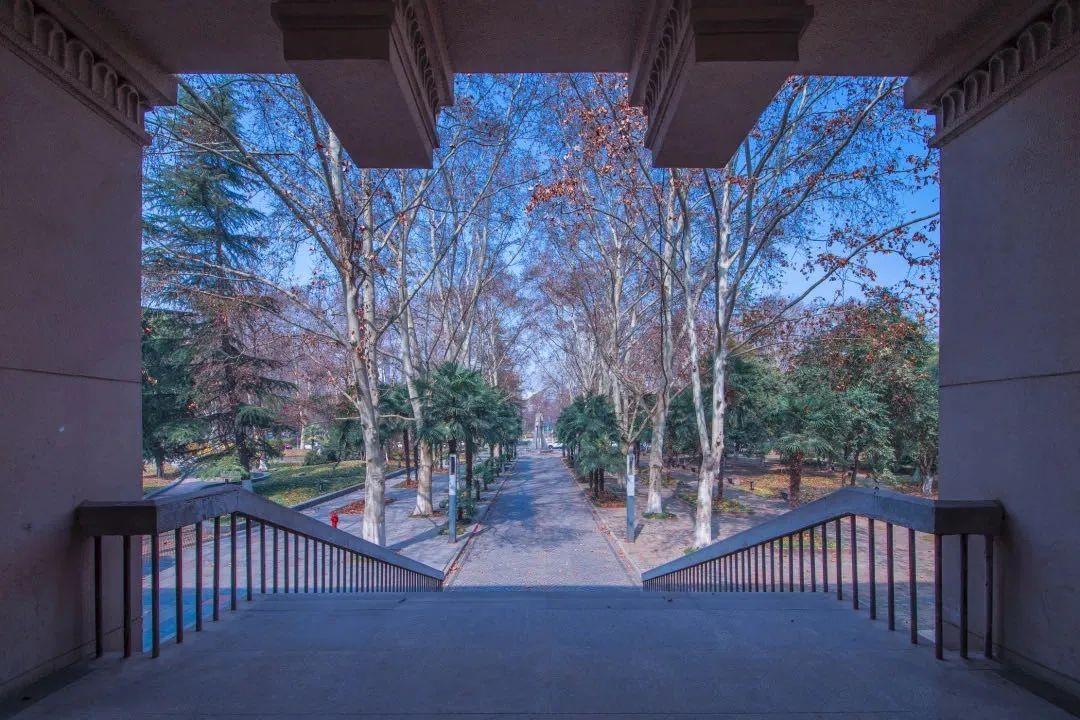 西安建筑科技大学……