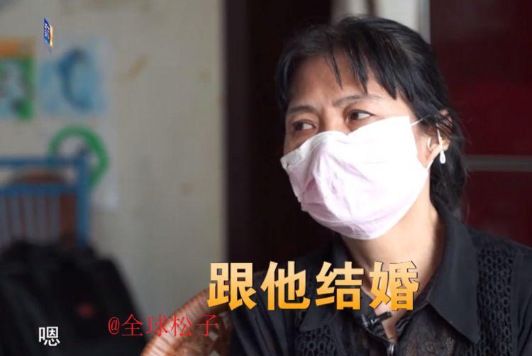"""60岁大妈自称和靳东""""谈恋爱""""?靳东为其买房,还送她百万巨款"""