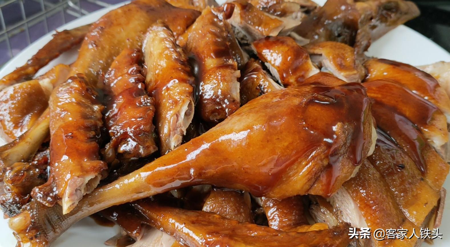 廣東人愛吃的碌鵝:教你家常做法,配料簡單步驟少,1大隻不夠吃