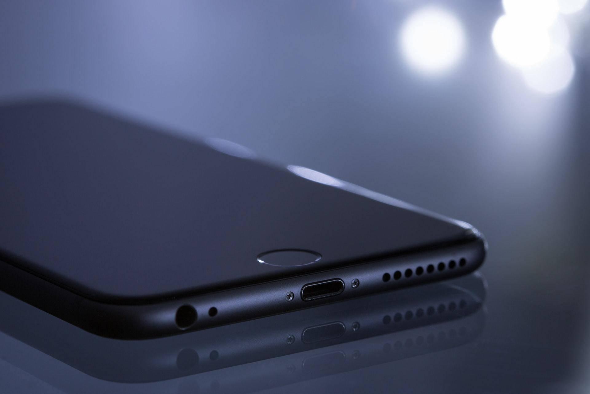 手机充不进电,不着急拿去维修,这4点原因看看属于哪种?