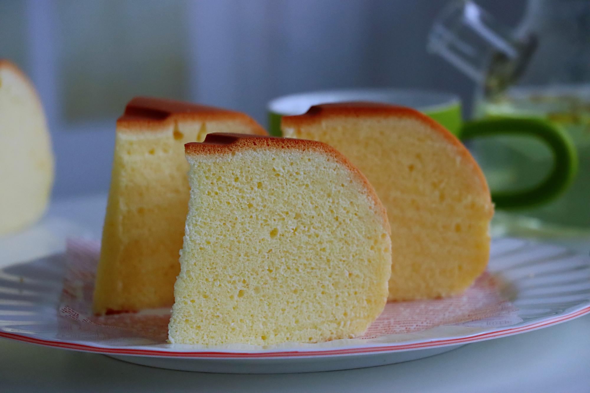電飯煲做出8厘米高度蛋糕,方法是關鍵,很多人做錯,難怪像大餅