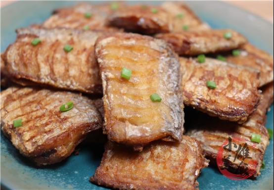 煎带鱼时,记住别直接下锅!多加2步,带鱼不粘锅不破皮,肉鲜嫩