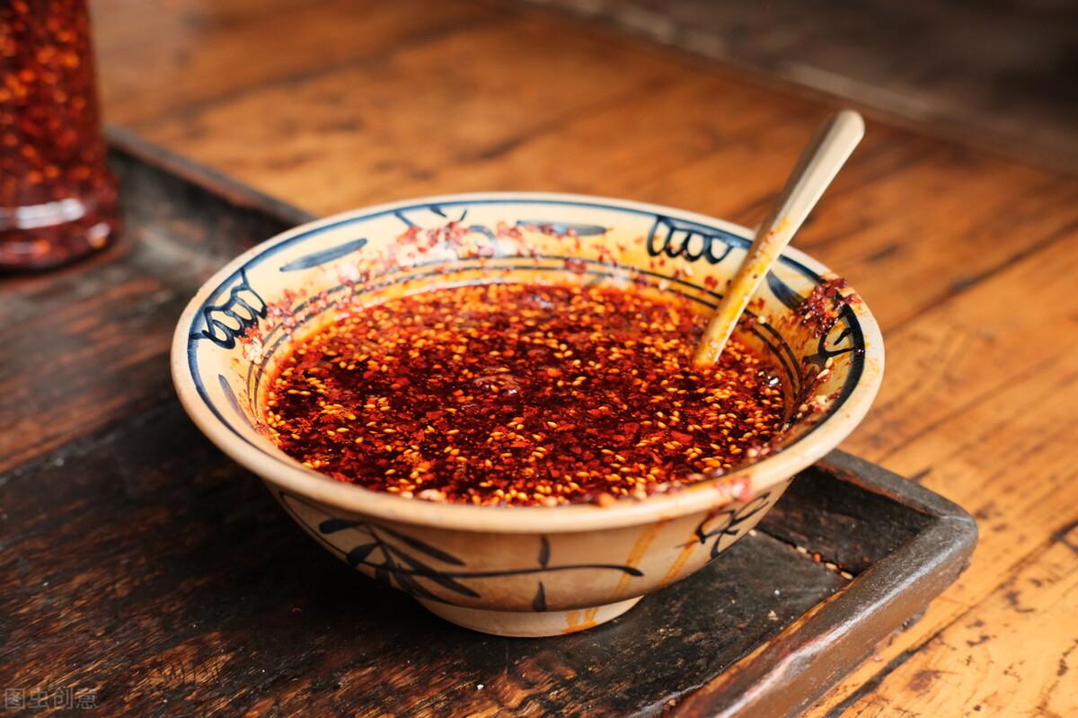 辣椒油要想好吃,最忌直接泼热油,少做了一步,难怪味道不够香 美食做法 第1张