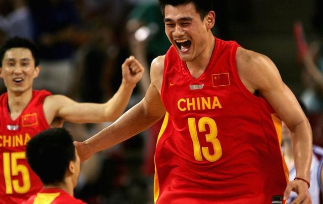 四十不惑,中国篮球应该感谢他吗?