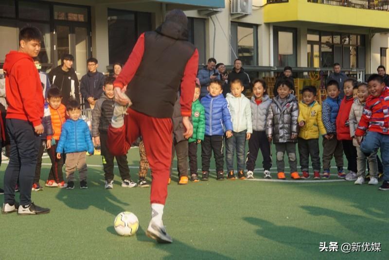 温度很低,热情不减!特色足球课为平度校园足球注入新能量