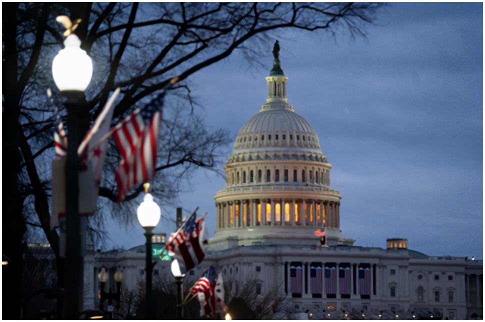 """拜登就职典礼在即!2.5万士兵进入""""战前状态"""",美国邮政为新总统就职日做准备:拆除信筒、暂停取件"""