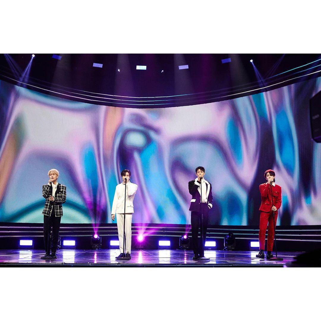 SHINee合体回归!粉整理13年歌曲,竟是一段爱情发展史?