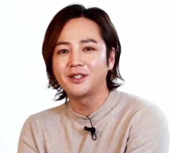 韩国顶级男星再被妈坑!母亲背着他逃税10亿,还一直严厉管制他