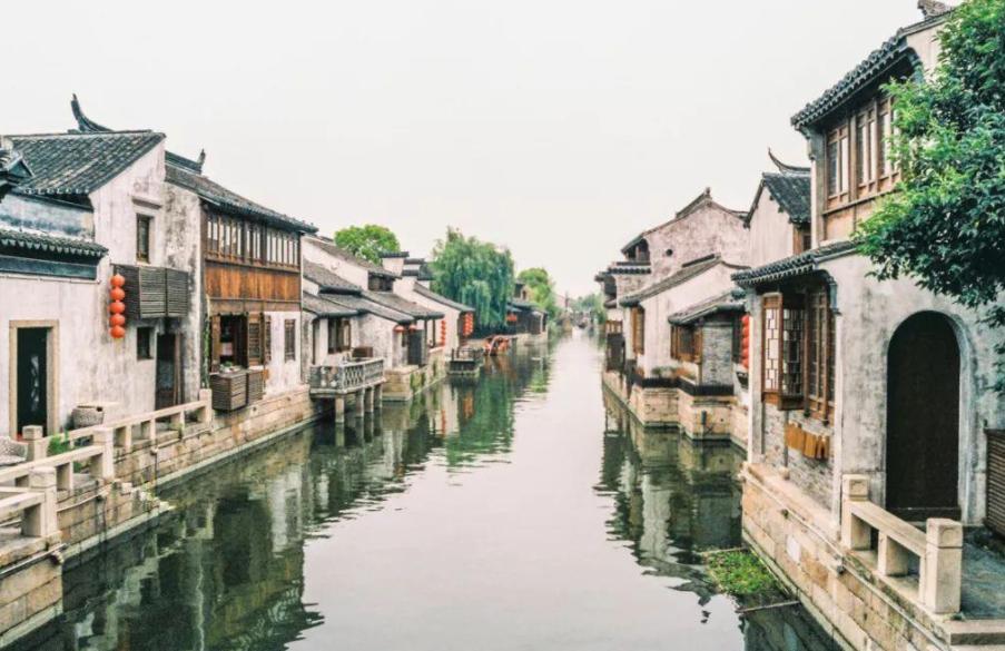 """江苏的悲惨古镇,曾是热门网红景点,如今一半商家撤离成""""空城"""""""