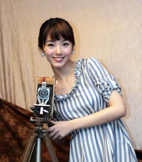 她是《情书》最火嘉宾裴涩琪,今正式官宣结婚,网友直呼童年女神
