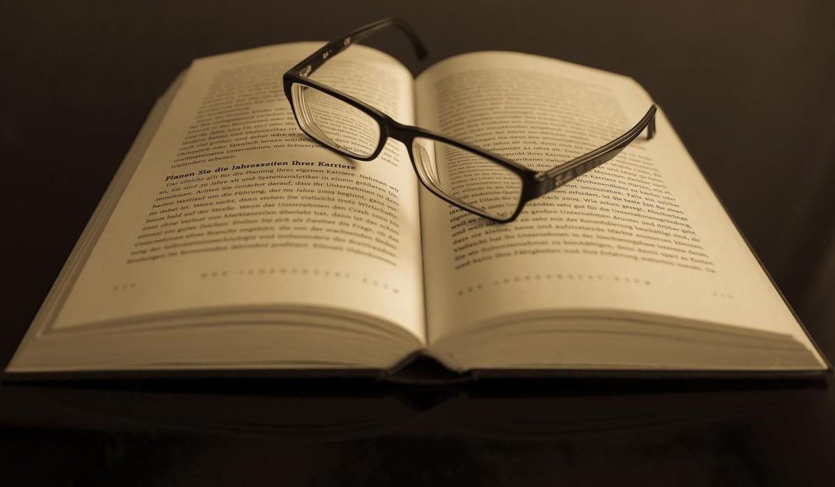 """巴菲特:变富的关键不在于使劲努力,而是要搞懂""""三个认知"""""""