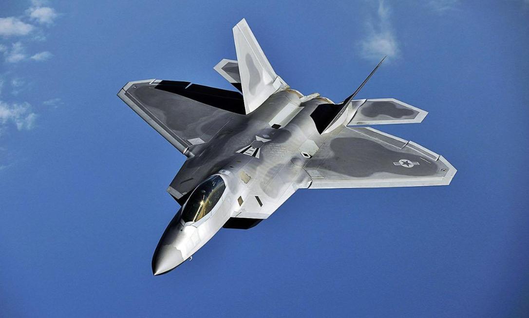 殲20技術來自美國,還是40年前戰機殘骸?有些人得會站著思考