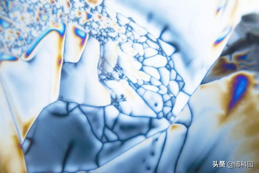 科学家发现纳米晶体,能让电视更亮更绚丽,实现高质量的照明