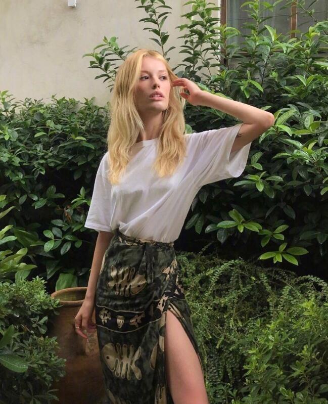 慵懒的法式风情又兼顾大女人风格 时尚博主Bilge日常穿搭就这个范