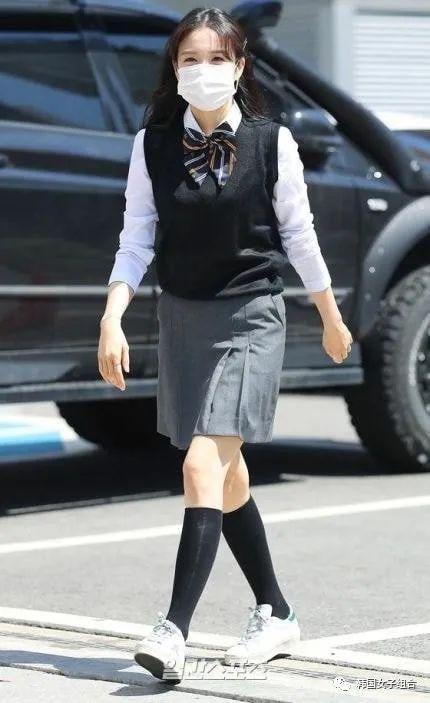 盘点《认哥》出演艺人的校服上班路照片,青春活力满满