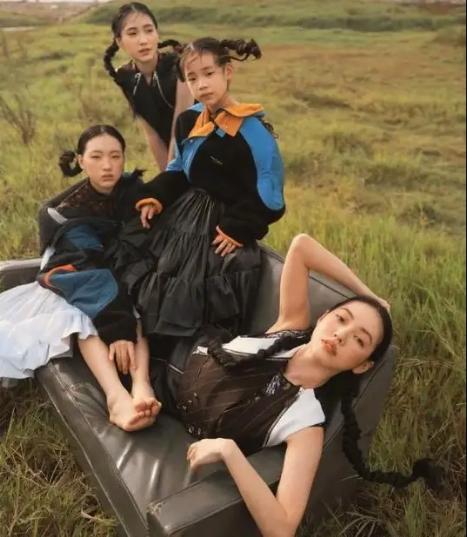 小S三個女兒的顏值:老大清冷寡淡,老二文靜柔美,老三還沒長開