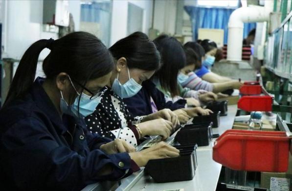 為何工廠女生那麼多,還有不少男工打光棍?廠妹說出幾個關鍵原因