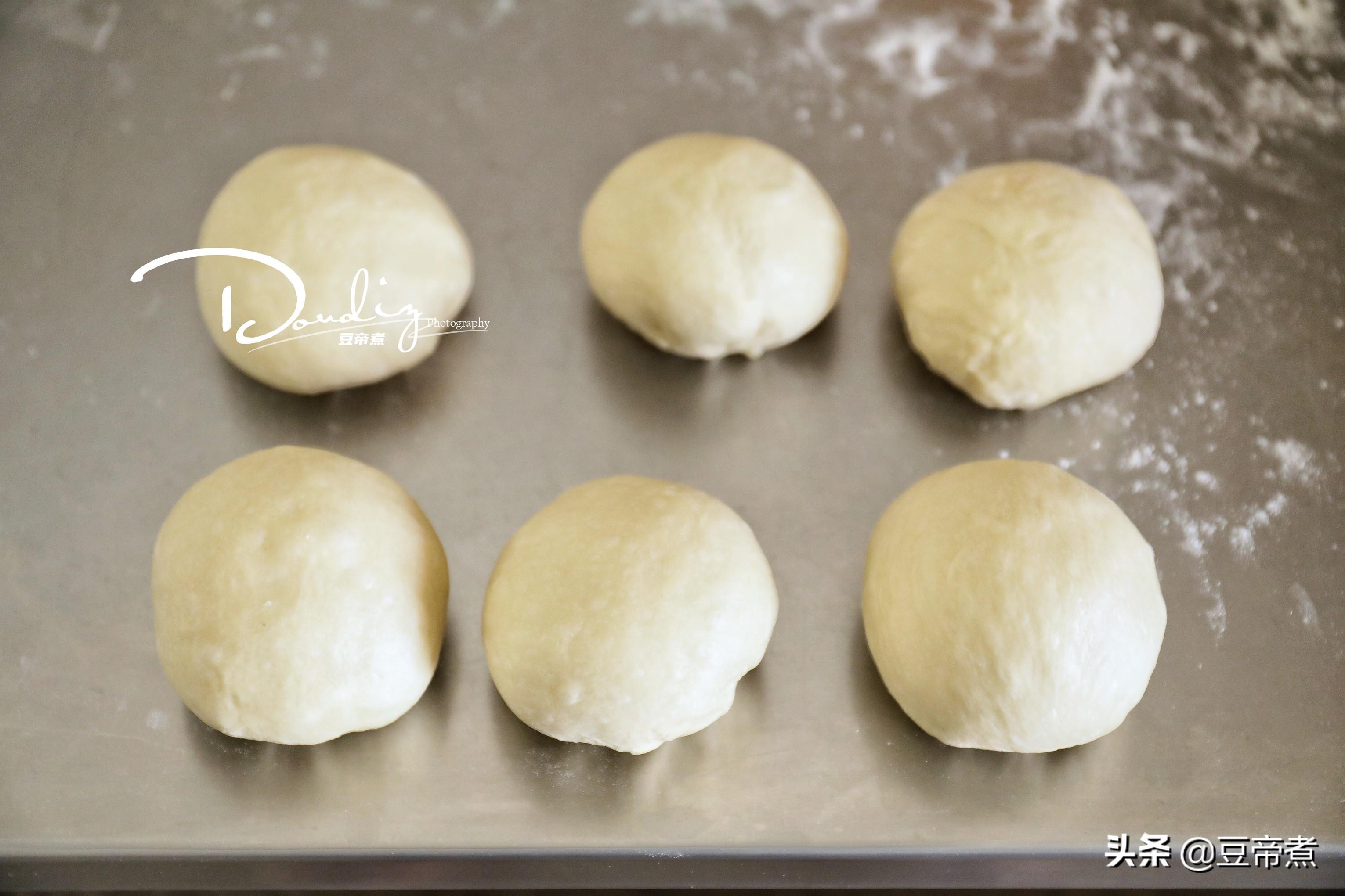 生活中剩餘的麵粉,別放著壞了,加入部分食材就能做出好吃的吐司