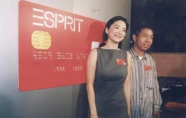 """Esprit大溃败,港资品牌难过""""中年危机"""""""