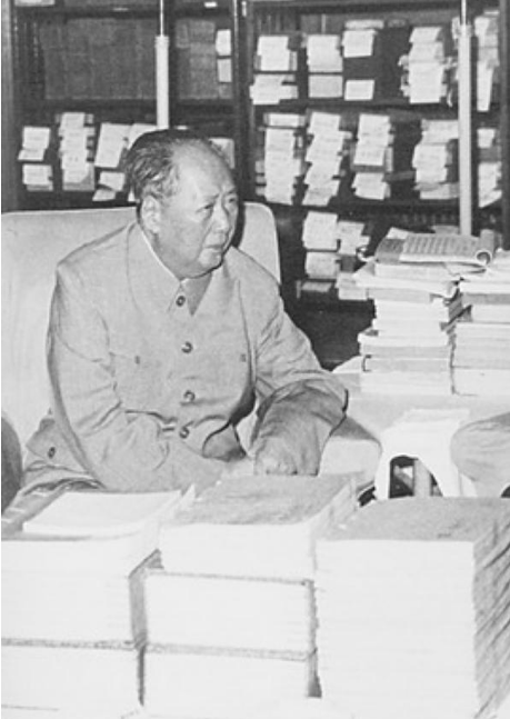 杨开慧壮烈牺牲,毛泽东拿工资赡养杨母,延续和杨家情谊数十年
