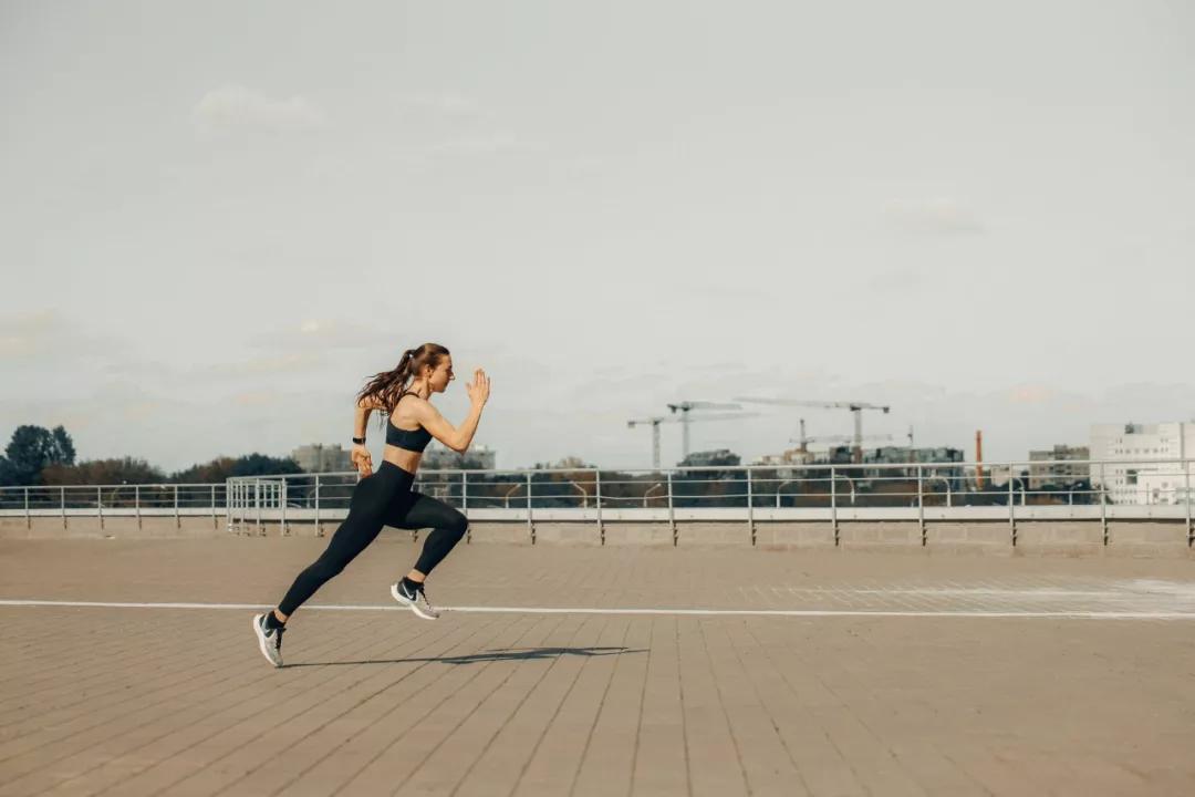怎样跑才能降心率?按心率跑,而非配速