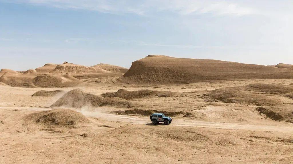 最孤独的国道,从西宁到喀什,穿越中国一半的无人区