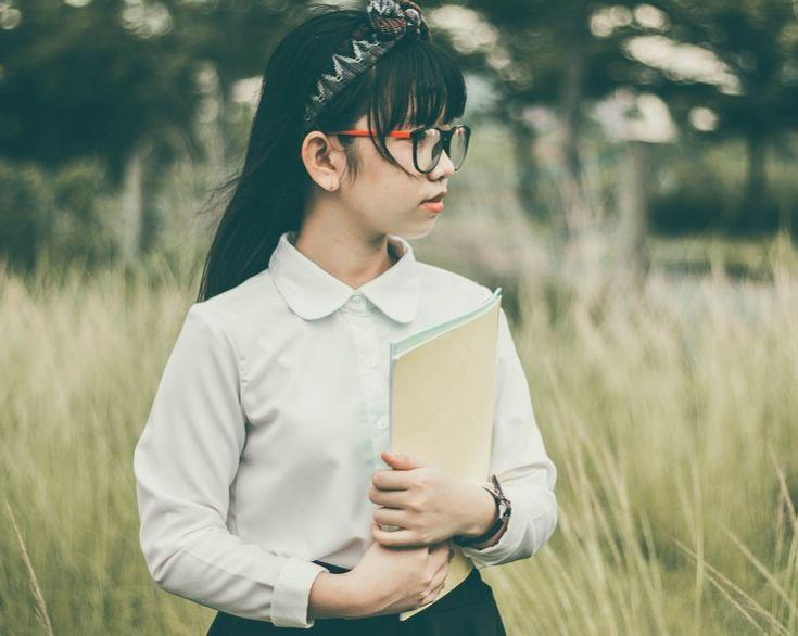 """小学生化身""""小燕子""""爆笑解释成语,""""欣欣向荣""""跟表白有关?"""