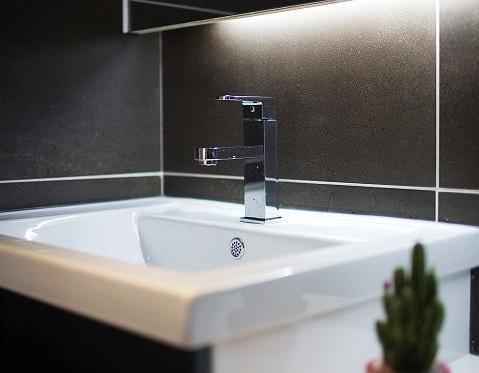 洗手臺漏水怎么處理?總結6種情況對癥下藥,自己動手也能解決