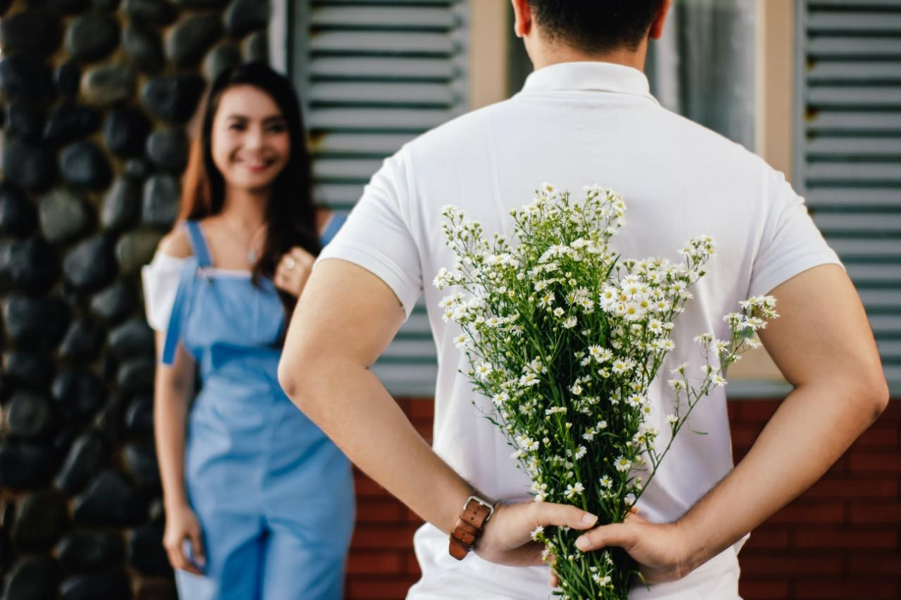 当男友对你很不满时,会出现这3种行为,却被很多女孩忽视了
