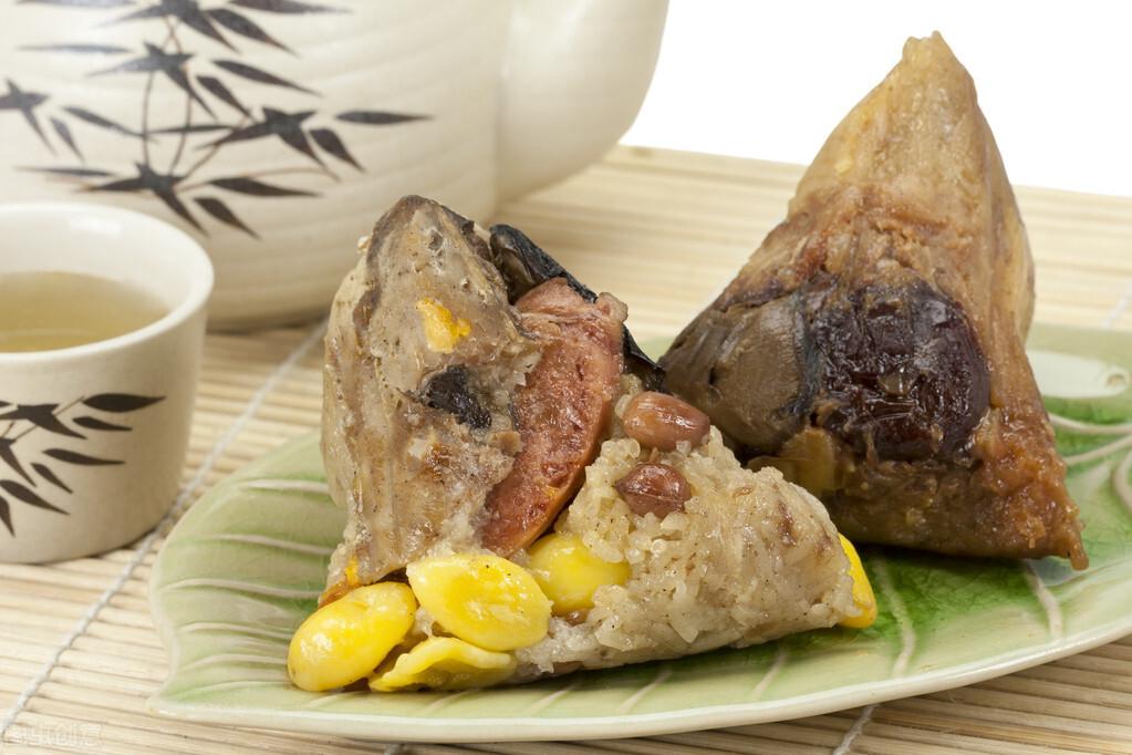 煮粽子,不要只会用清水,记住2个窍门,粽子软糯香甜,不夹生 美食做法 第1张