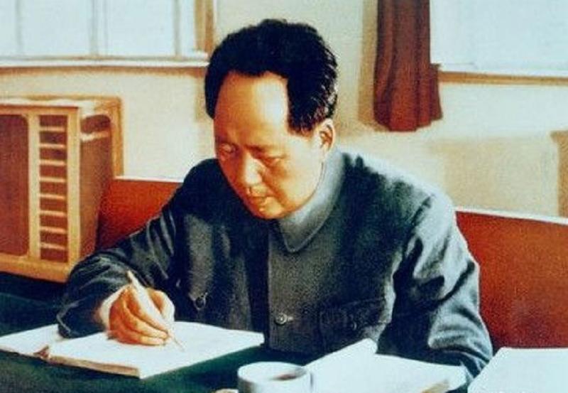 """中央准备授毛主席""""大元帅""""军衔,毛泽东:大元帅?你靠边站吧"""