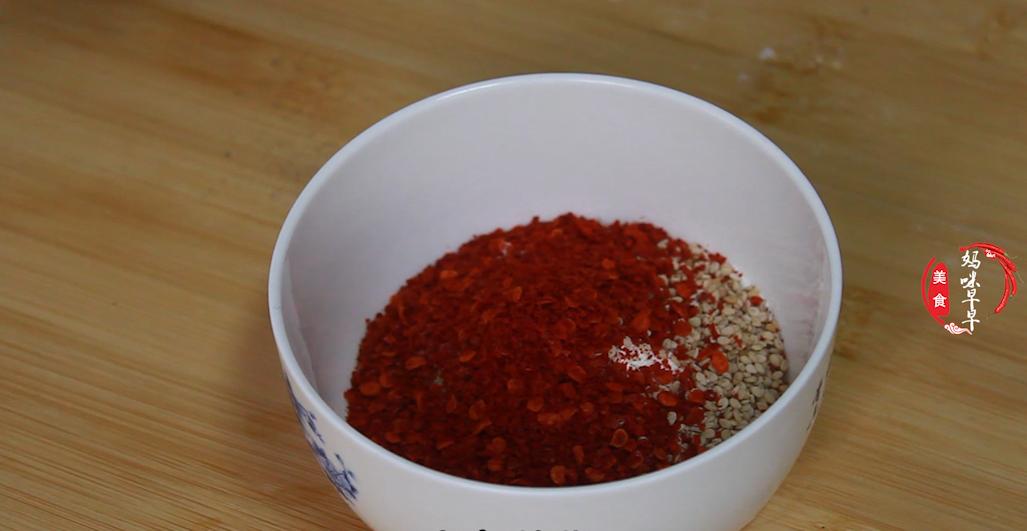 自从学会花卷这个做法,我家面粉不够吃了,麻辣鲜香,一次吃5个 美食做法 第4张