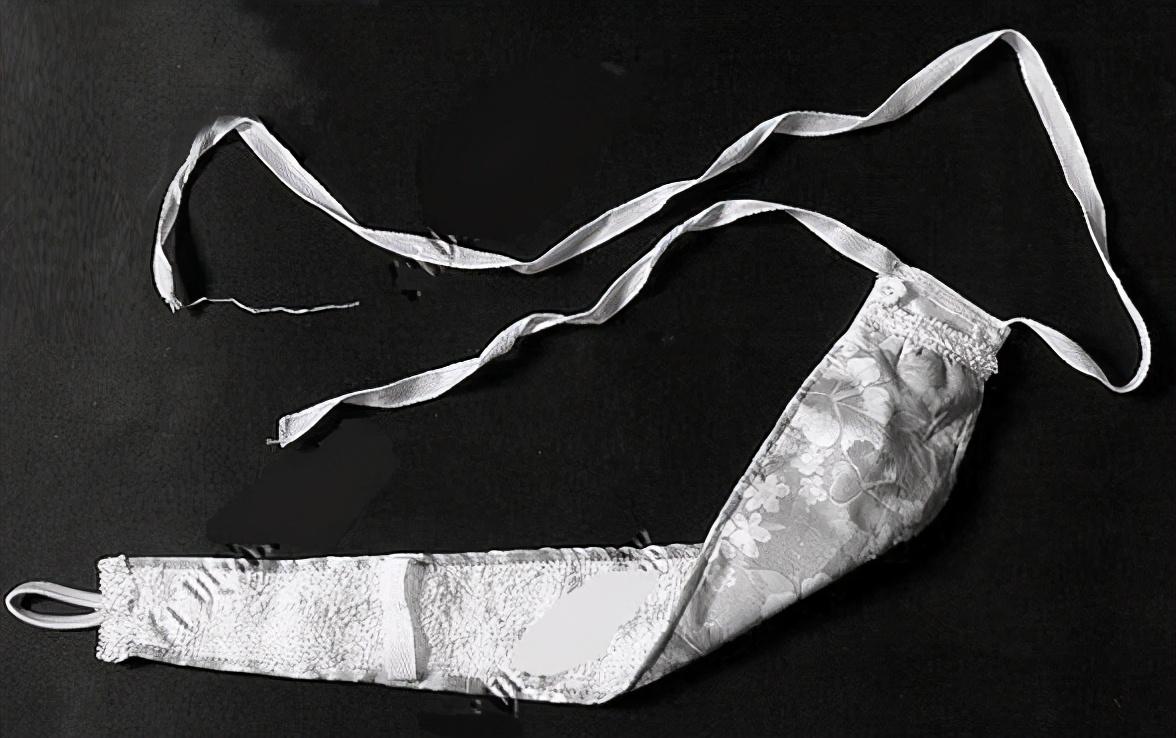 冰冰纸业:卫生巾代工代工在产业链中的作用