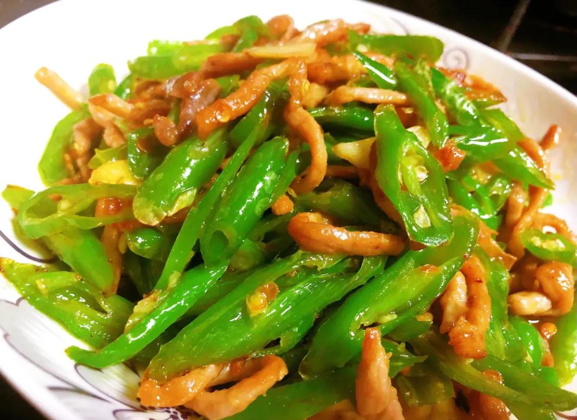 家常菜:青椒炒肉 美食做法 第12张
