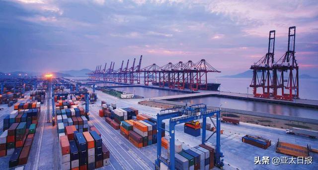 外媒称疫情和中美紧张关系之下,中国贸易大国地位进一步巩固